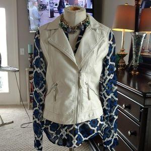 Off-white vest